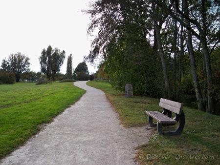 Promenade des Bords de L'Eure - the bench