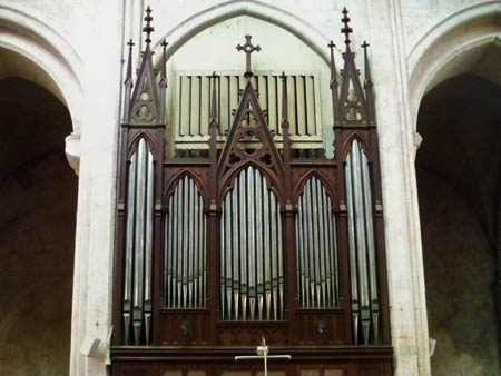 The pipeorgan in St. Pierre church, Chartres