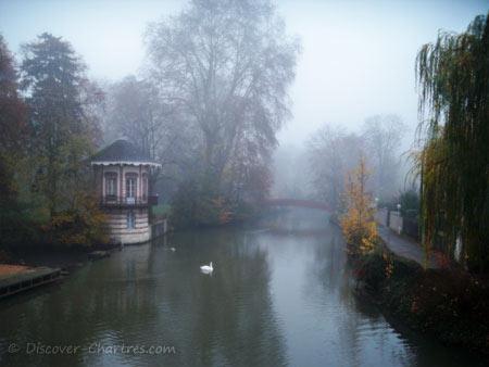 Dense fog in La Petite Venise, Chartres