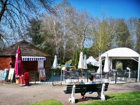Snack hut in Parc des Bords de L'Eure