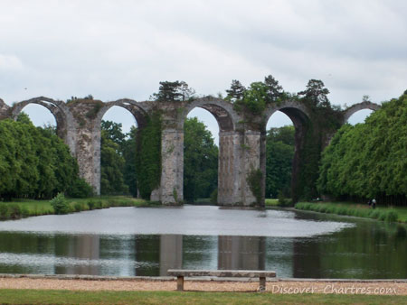 The zoom out of aqueduct in Maintenon castle