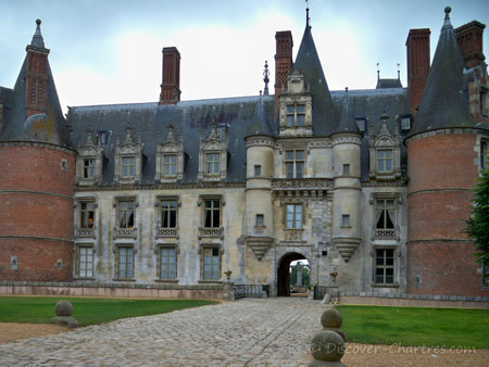 North facade of Maintenon castl
