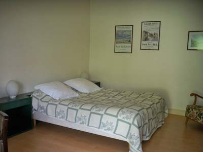 Doradoux Bed and Breakfast - Bed in the ground floor
