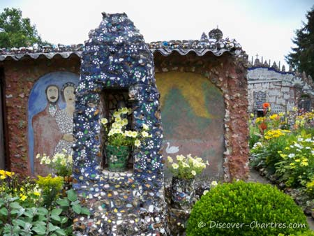 Maison Picassiette garden