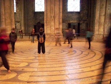 Walking Chartres Cathedral Labyrint