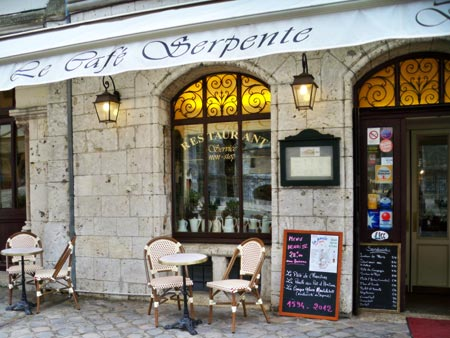 Weekend henri iv to celebrate the king coronation at for Bon restaurant chartres
