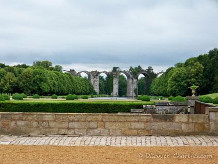 The aqueduct of Maintenon castl