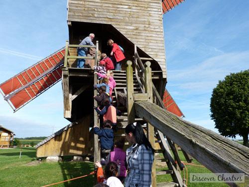 Going inside Moulin Pelard
