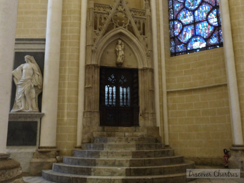 The stairs to Saint-Piat Chapel